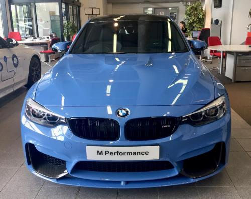Yas M3 front